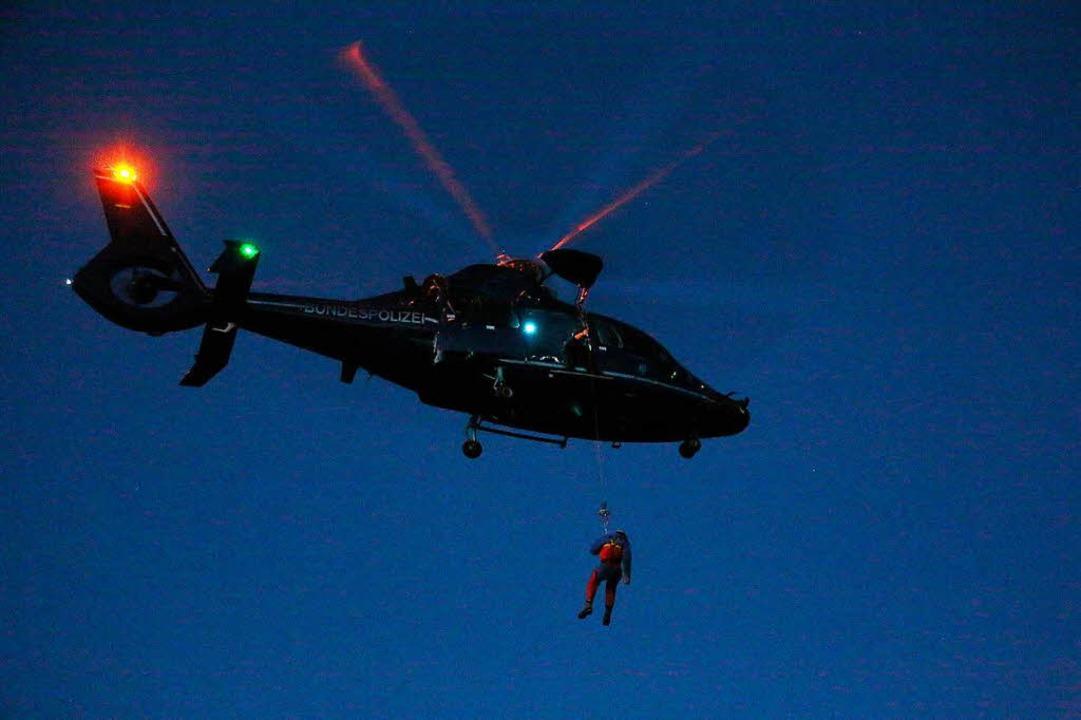 Ein Rettungshubschrauber war im Einsatz.    Foto: dpa