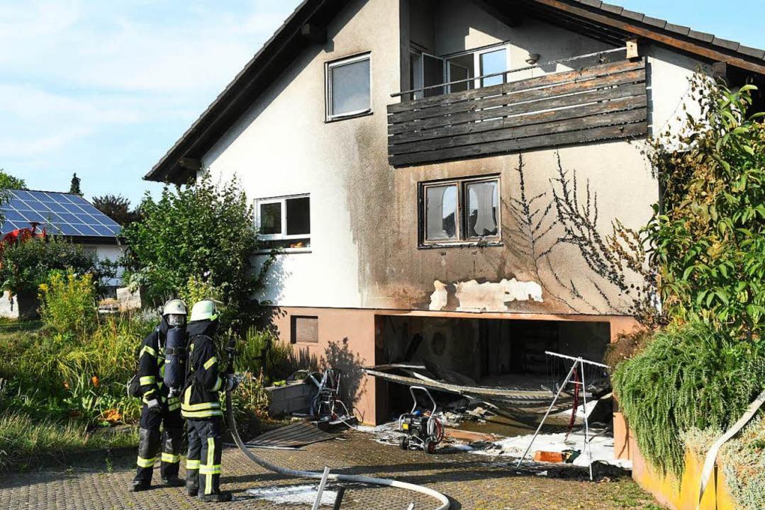 Die Garage in Mahlberg ist  laut Polizei in Brand gesetzt worden.    Foto: Wolfgang Künstle