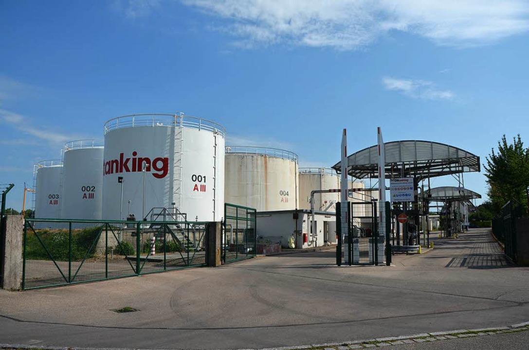 Das Tanklager wird 2019 abgebaut.  | Foto: Gerold Zink