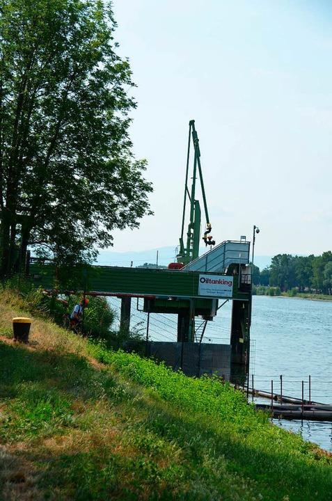 Auch die Anlage am Rheinufer, an  der ...önnen,  wird es bald nicht mehr geben.  | Foto: Gerold Zink