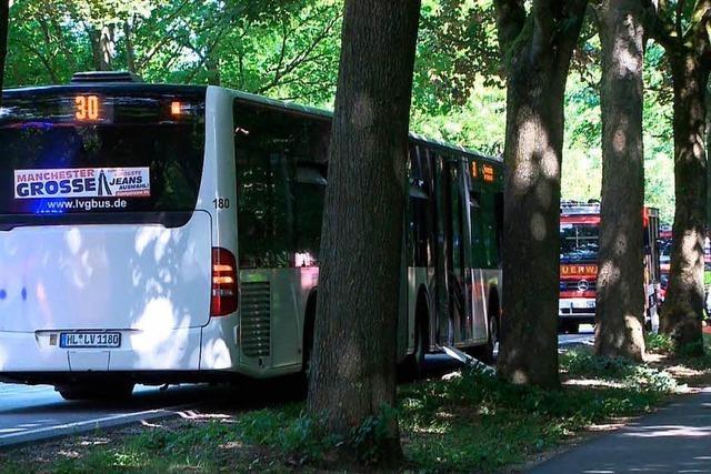 Polizei: Mann griff Passagiere in Lübecker Bus mit Stichwerkzeug an