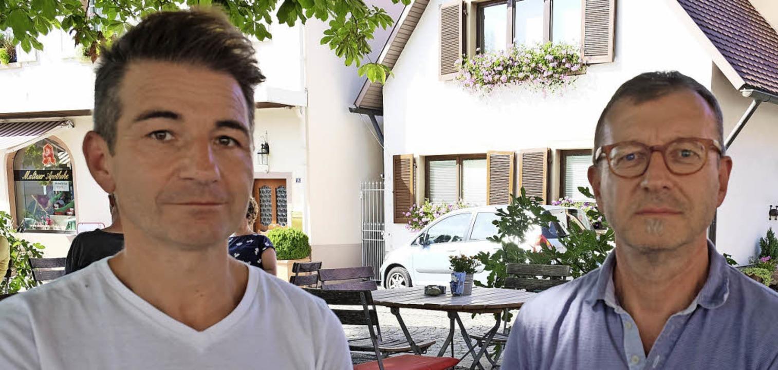 Dirigent Rüdiger Müller (links) und Vo...erd Höfler vom Musikverein Heitersheim  | Foto: Pfefferle