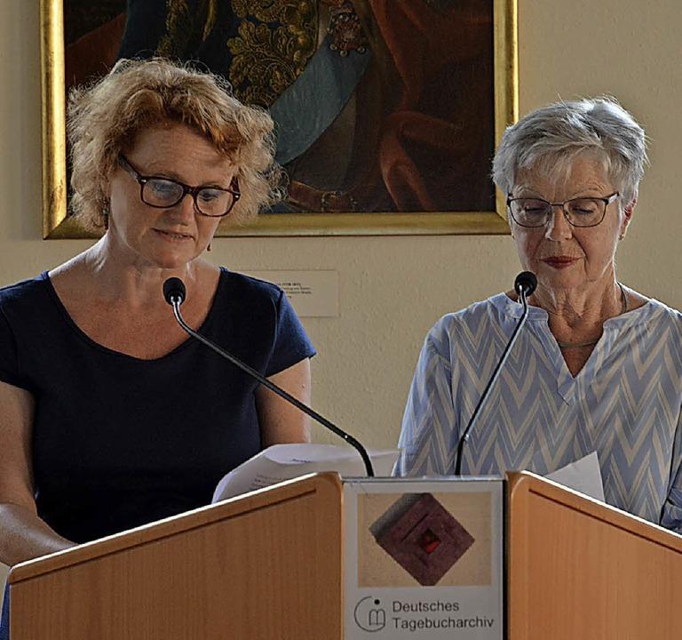 Ließen mit ihren Stimmen Schicksale au...a Jäger-Schenk (l.)  und Ursula Weiss.  | Foto: Sommer