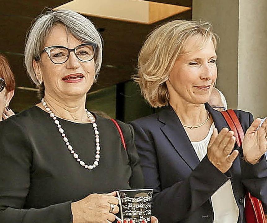 Ulrike Hugel (links) und ihre Nachfolgerin Nicola Heckner  | Foto: Sandra Decoux-Kone