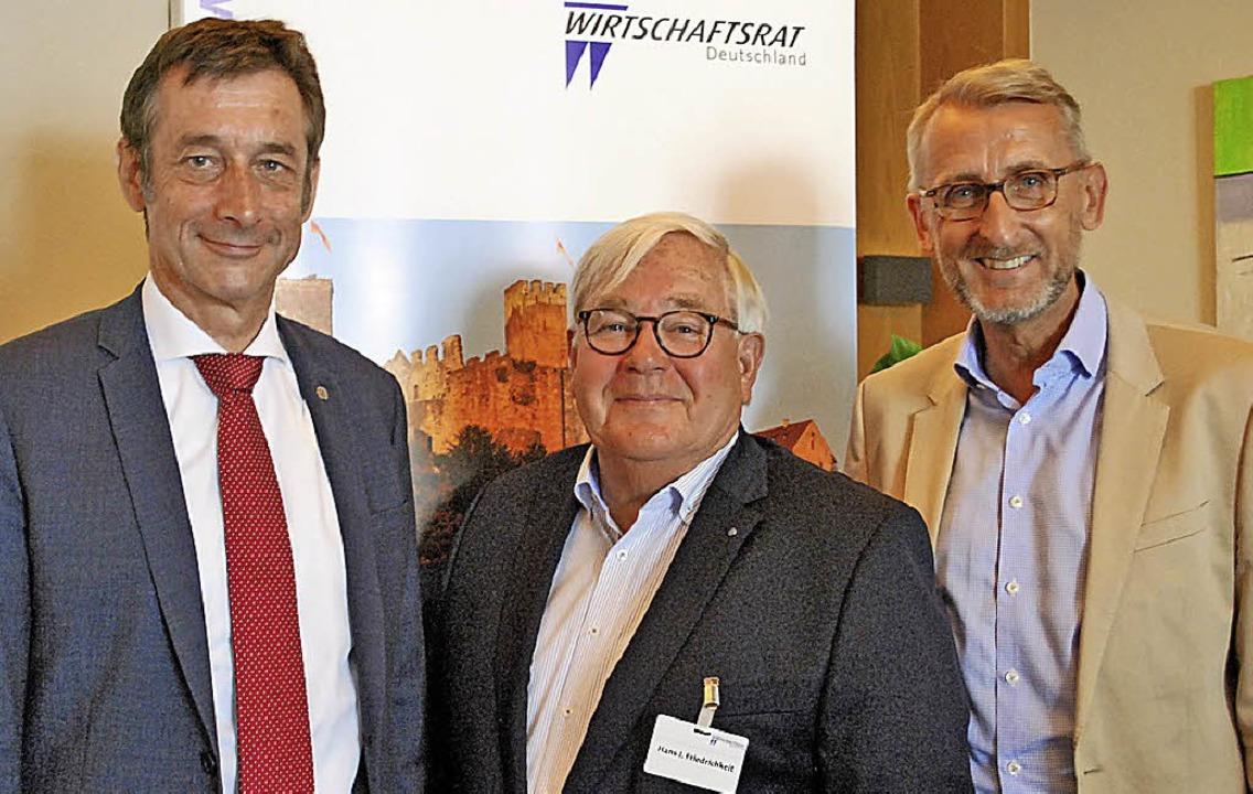 Christoph Hoffmann,  Hans J. Friedrichkeit und und Armin Schuster (von links).   | Foto: Loisl Mink