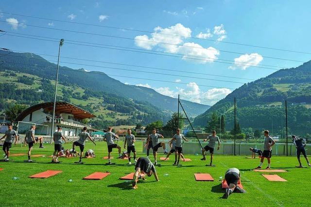 Die Spieler des SC Freiburg gastieren im Trainingslager in Schruns
