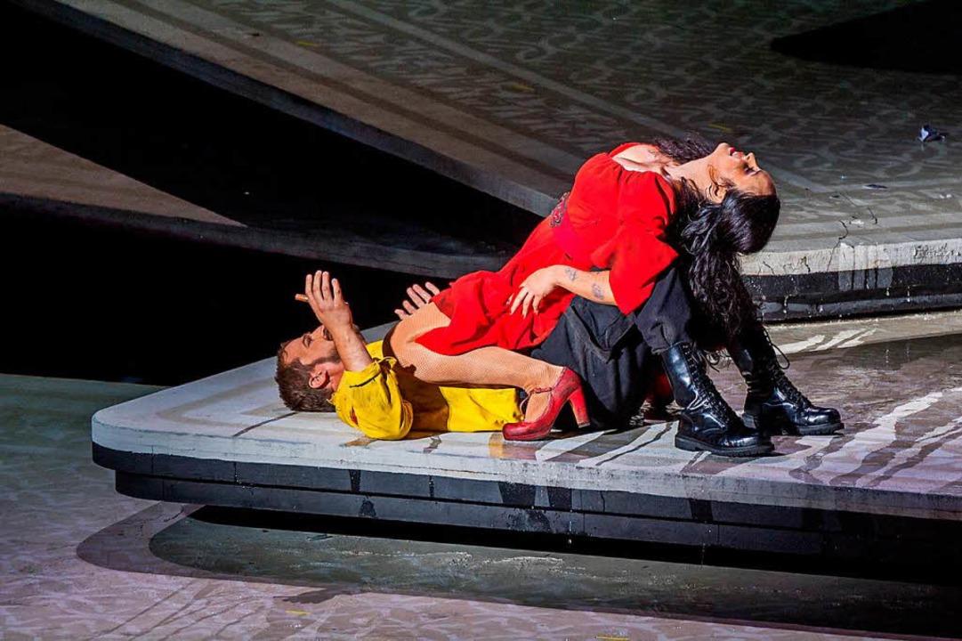 Daniel Johansson in der Rolle des Don ...ot; stehen auf der Bregenzer Seebühne.  | Foto: dpa