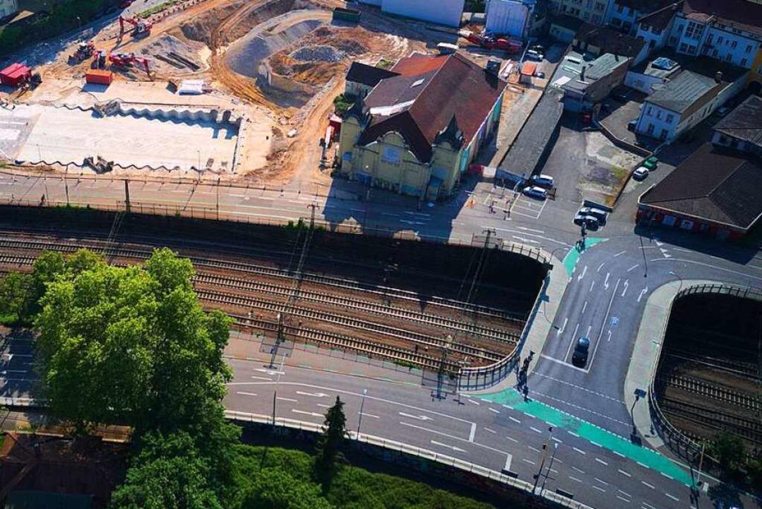 Eine wichtige Ost-West-Verbindung in O...#8220; Unionbrücke über den Bahngraben  | Foto: Michael Saurer