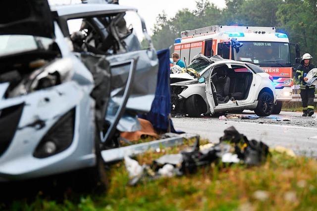 Trümmerfeld auf der A81 bei Heilbronn – vier Menschen sterben