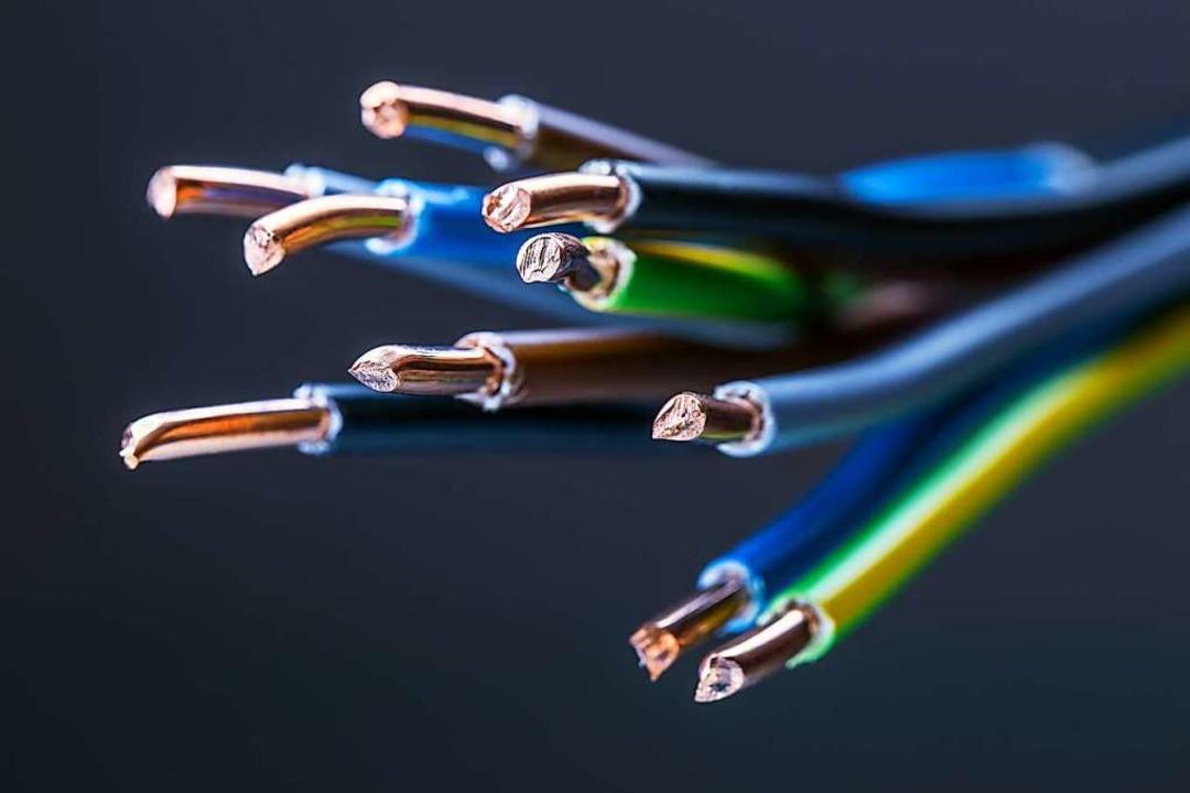 Welche Energie die Kabel unter Spannung setzt, hat jeder selbst in der Hand.  | Foto: weyo - stock.adobe.com