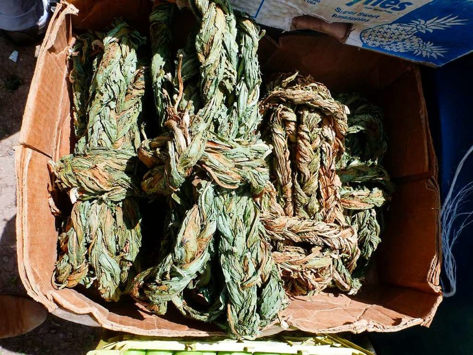 Sauerampfer:, Walnüsse,  Aprikosen: Vi...chen Zutaten wachsen auch hierzulande.  | Foto: Sigrun Rehm