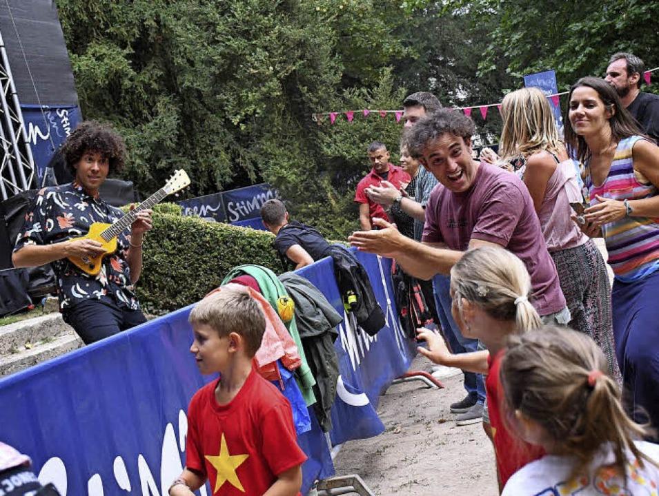 Auch  Témé Tan brachte das Publikum in Bewegung  | Foto: Barbara Ruda