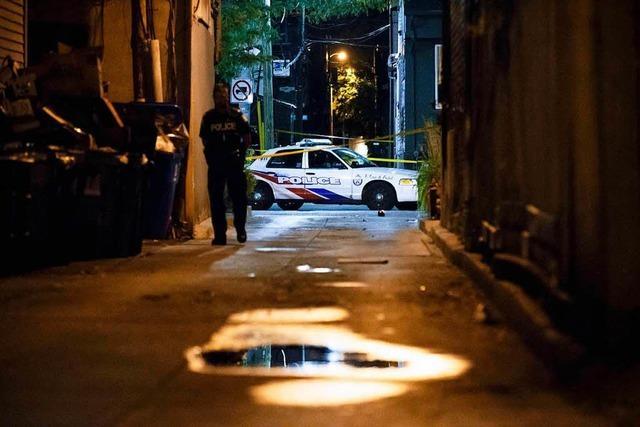Zwei Tote und 13 Verletzte bei Schießerei in Toronto – Tathintergrund noch ungeklärt