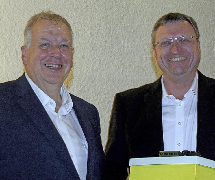 Lob und Dank für  Pfarrer  Wilhelm Brü...des Kirchengemeinderats, Jörg Martin.   | Foto: Charlotte Fröse
