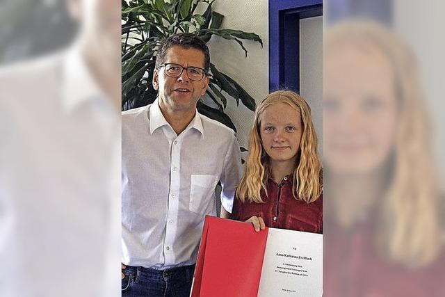 Schülerin erhält Kunstpreis