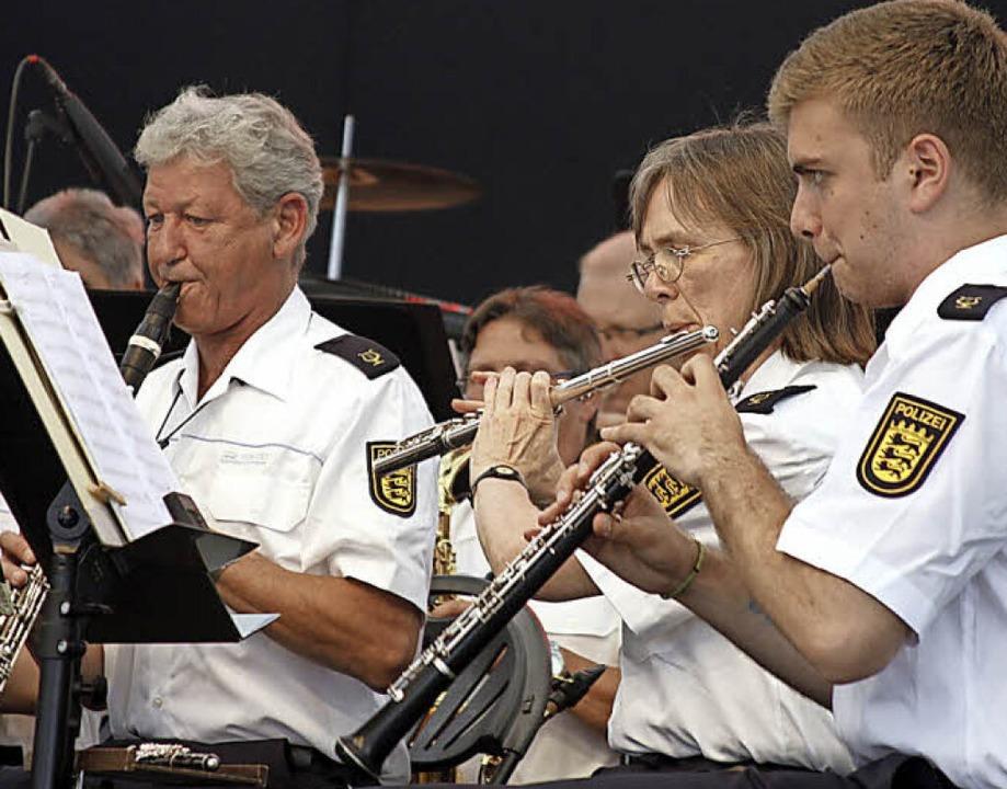 Musizierende Polizisten    Foto: Heidi Foessel