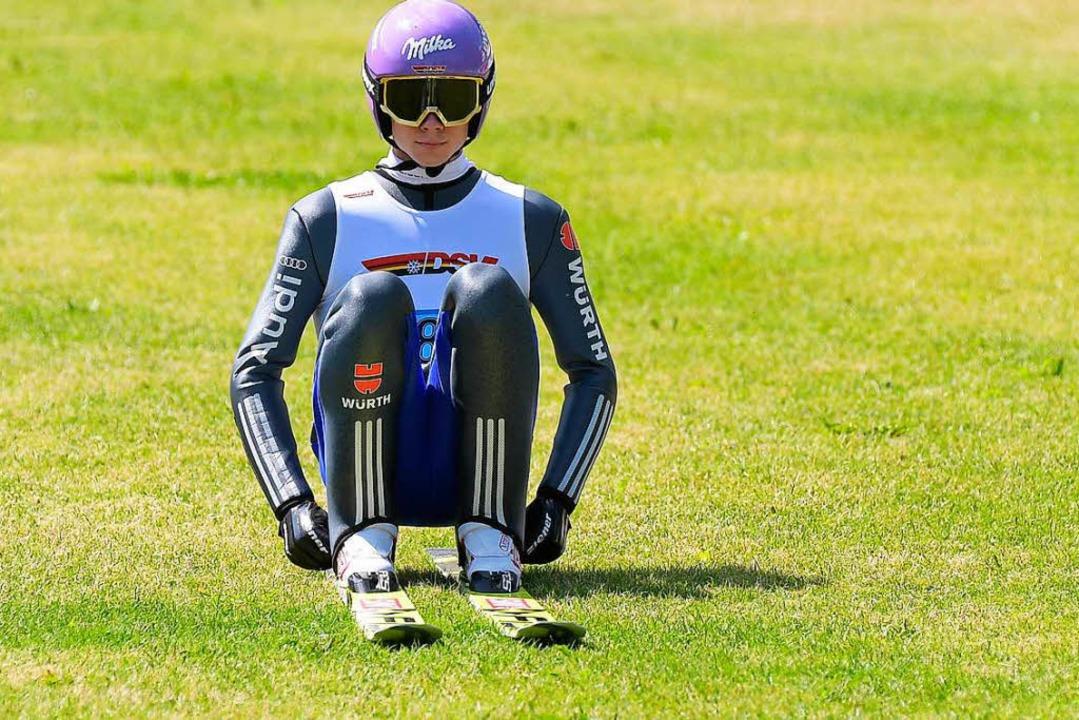 Andreas Wellinger genießt in Hinterzar...r sportlich aber noch an sich arbeiten  | Foto: Achim Keller