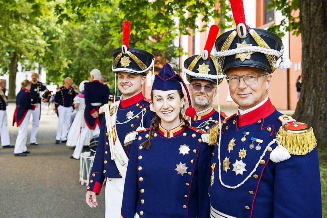 Sich verwandeln, um sich unter Gleiche... und beim Historischen Marktplatzfest.  | Foto: Daniel Schoenen