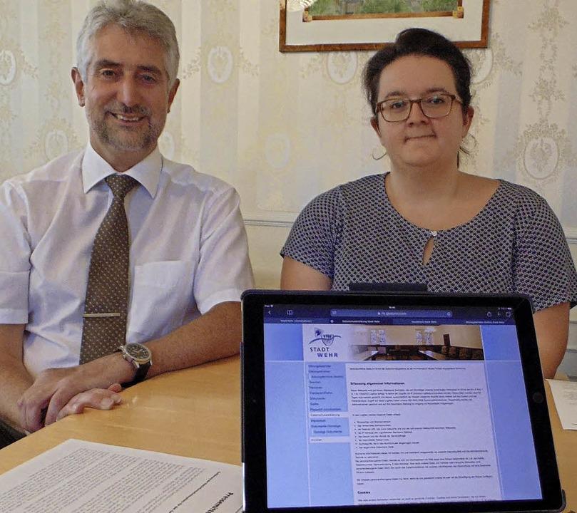 Bürgermeister Michael Thater und Ratss...s Ratsinformationssystem vorgestellt.     Foto: Michael Gottstein
