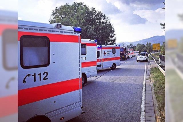 Acht Verletzte bei Unfall