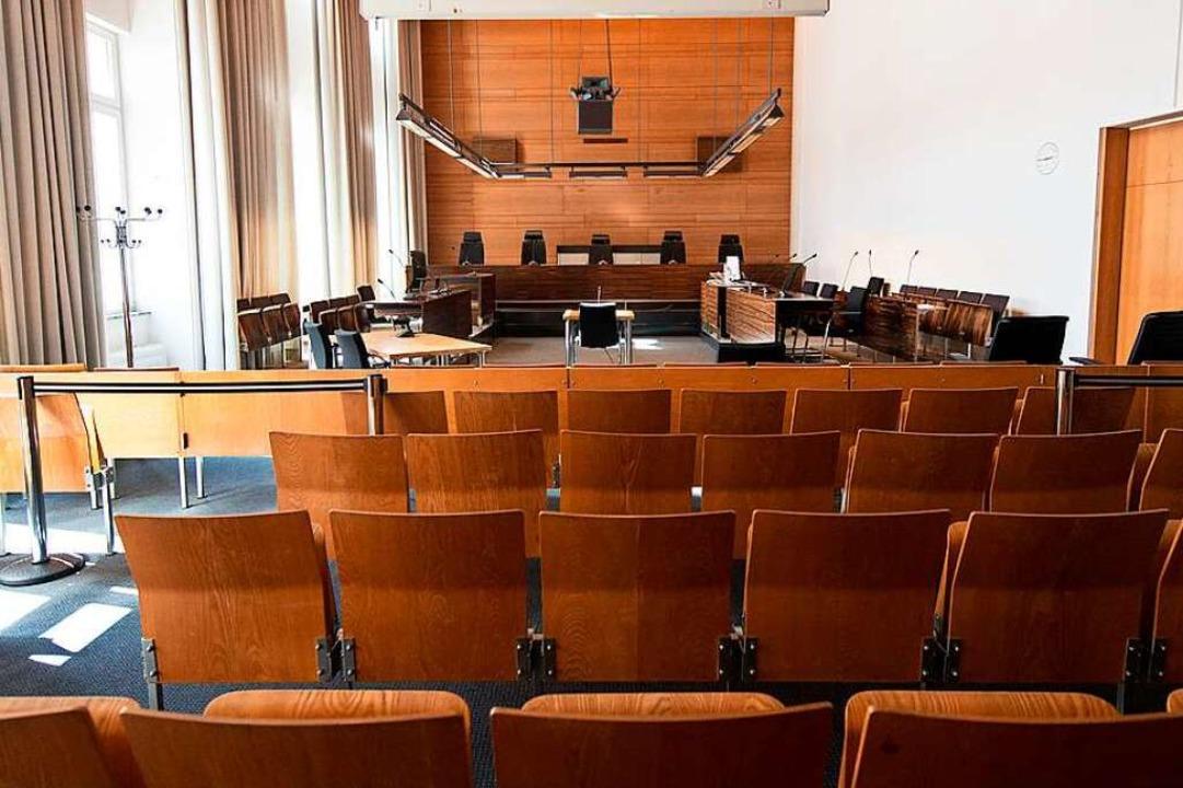 Saal IV im Landgericht Freiburg: Hier ...gen gegen Geld missbraucht haben soll.  | Foto: dpa