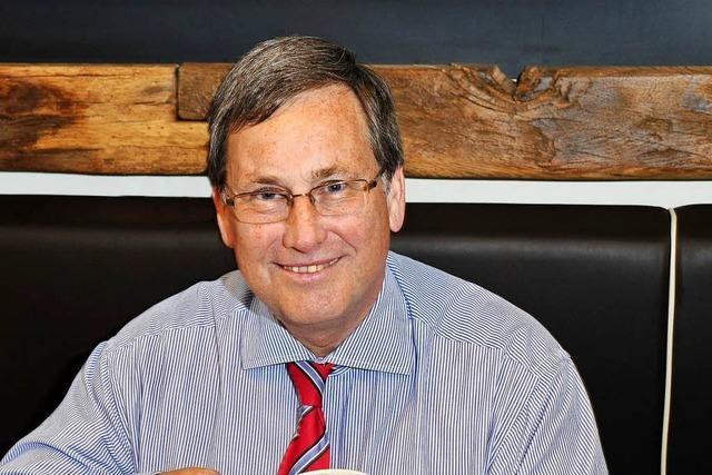 FDP-Stadtrat Patrick Evers hält zum Abschied Anti-Rassismus-Appell