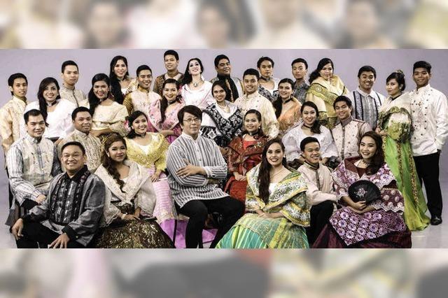 Philippinischer Universitätschor Santo Tomas Singers aus Manila in St. Blasien