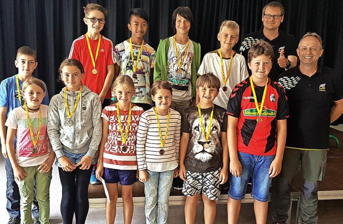 Die  Sieger des Fahrradturniers der Re...bach (vorne rechts) vom AMC Bonndorf.     Foto: Privat