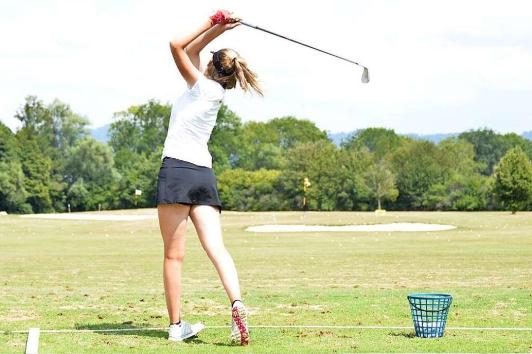 Golf ist die Kunst der Wiederholung: S... Golfclub, wo der Abschlag geübt wird.  | Foto: Moritz Lehmann