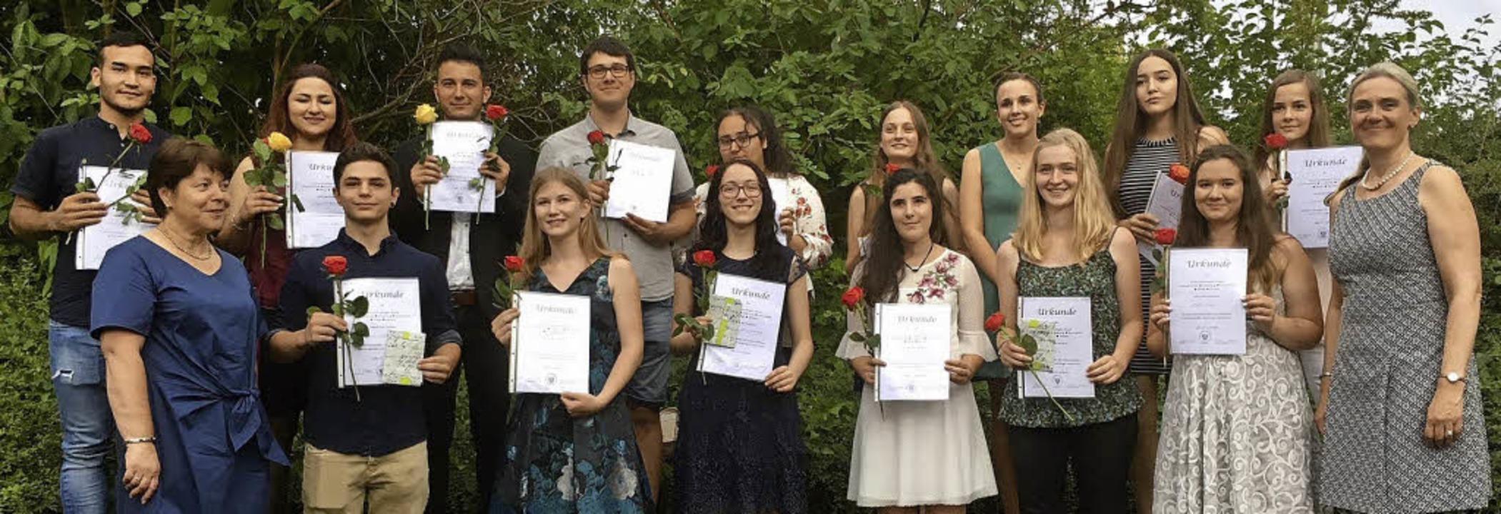 <BZ-FotoAnlauf>Maria-Furtwängler-Schul...en und Absolventen  mit Preis und Lob   | Foto: Schule