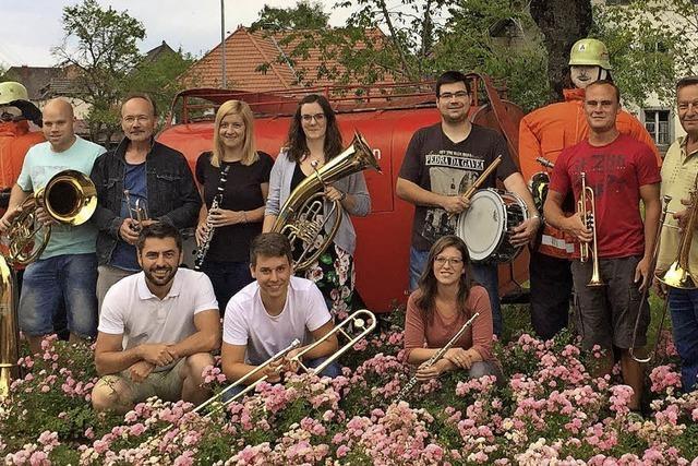 Jubiläumsfest der Feuerwehr Bergalingen (75 Jahre) Samstag, 28.7. bis Montag, 30.7. U.a mit Projektgruppe des Musikvereins Bergalingen.