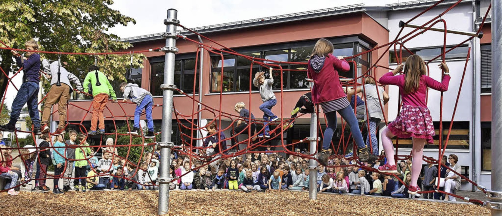 Auch im Schulgebäude in Stegen werden ...gemeinde allerdings nicht mehr dabei.   | Foto: Markus Donner