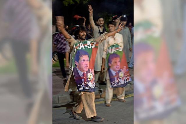 Imran Khan greift nach der Macht