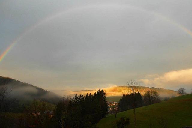 Die Sonne nach dem Regen in Biederbach