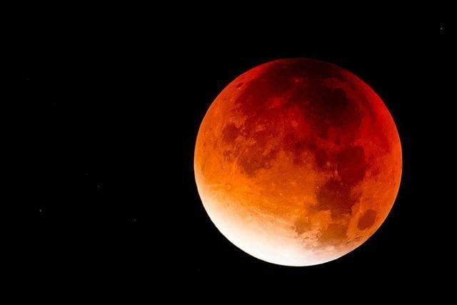 Heute Abend verschwindet der Mond – und er lässt sich dabei beobachten