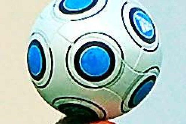 Trickdiebstahl: Mann macht Fußballtricks – und klaut Geldbörse