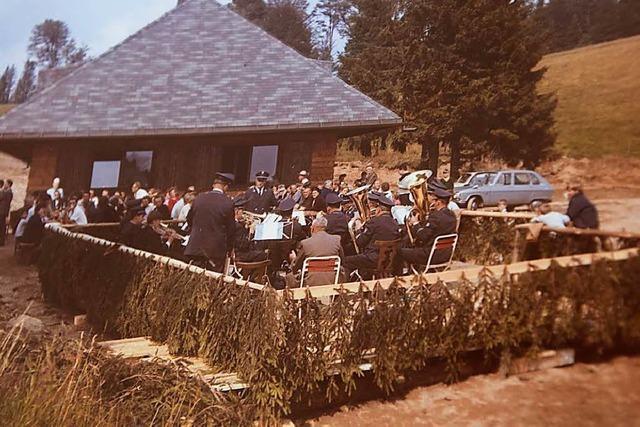 Auf dem Gelände des Almgasthauses Knöpflesbrunnen weideten früher Ochsen und Stiere