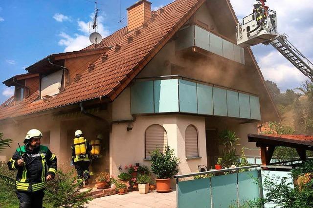 Kleiner Hund stirbt bei Brand einer Doppelhaushälfte in Suggental