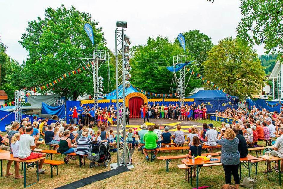 Den Zuschauerinnen und Zuschauern boten die Amateurartisten des Circus Paletti am Samstag bei zwei Aufführungen ausgezeichnete Unterhaltung. (Foto: Olaf Michel)