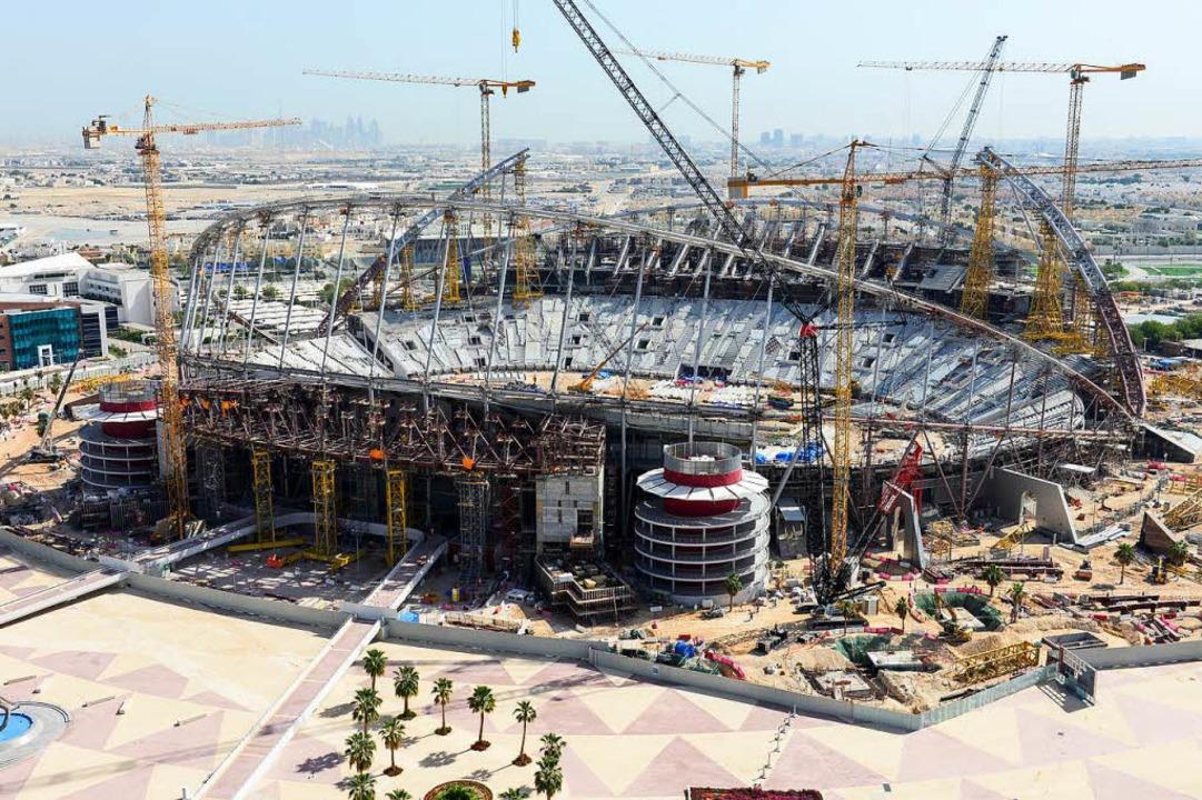 Großbaustelle in Doha: das Khalifa International Stadion.  | Foto: JOERG BOETHLING