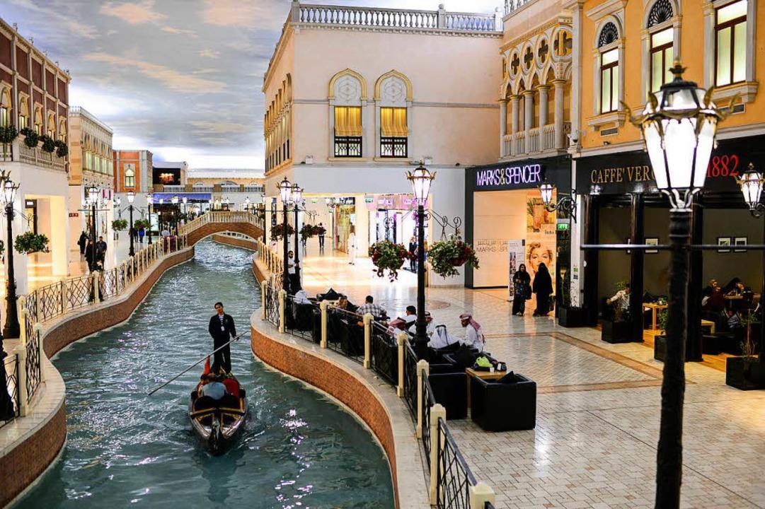 "Venedig unter der klimatisierten Käseg...adies ""Villaggio"" in  Doha  | Foto: JOERG BOETHLING"