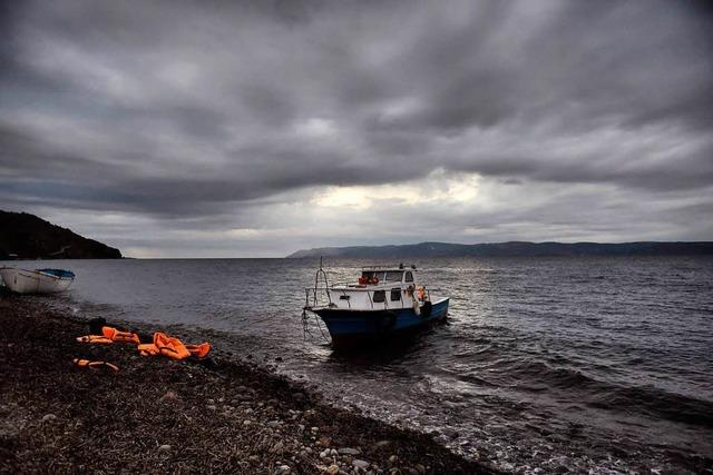 Sechs Menschen bei Untergang von Flüchtlingsboot vor Lesbos ertrunken