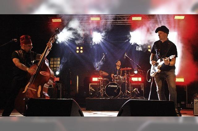 Vier Bands rocken das Schambachtal