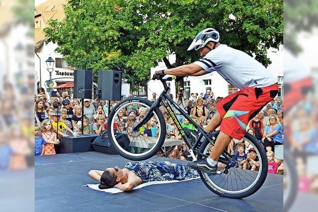 Schwarzwald- Swing und Fahrrad-Artistik