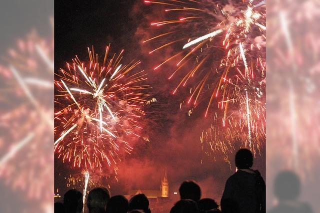 Bundesfeier am Rhein mit 20 000 Leuchteffekten