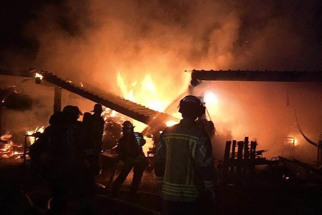Scheune in Kollmarsreute brennt völlig ab