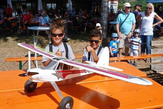 Modellflugtage mit Hubschraubern und Jagdfliegern