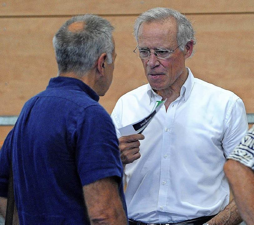Arno Ehret (rechts), der frühere Bunde...spierer und Bundestrainer, im Gespräch  | Foto: Pressebüro Schaller