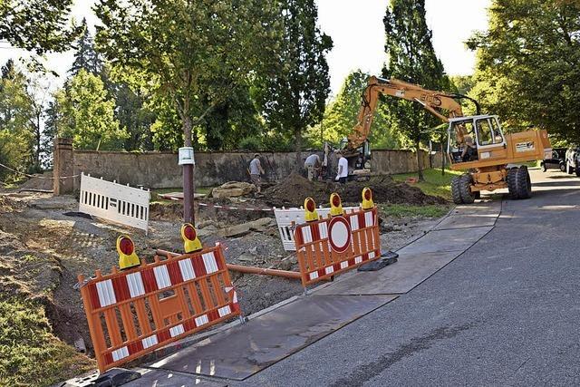 Sanierungsarbeiten am Friedhof begonnen