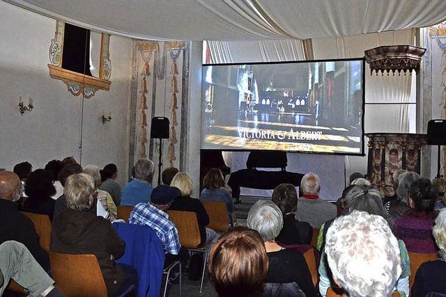 Die kleine Kirche als Kinosaal